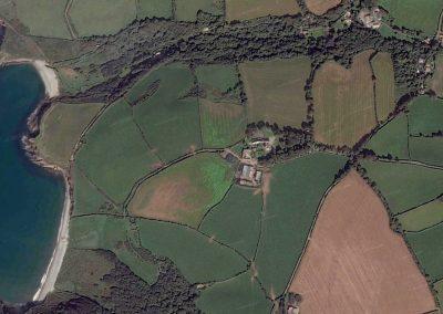 Rhyd y Fferm is located top right.